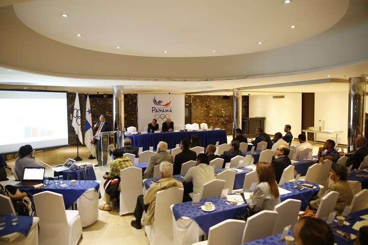 En la reunión, Camilo Amado, presidente del COP, presentó presentó su memoria anual, correspondiente al año 2018. Foto:COP