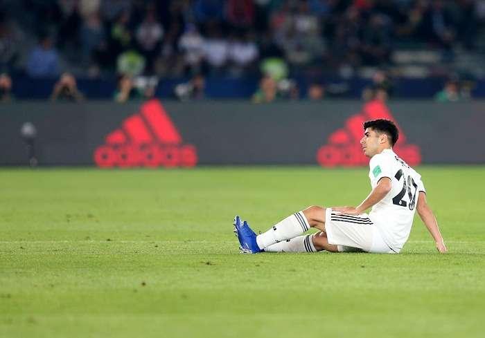 Marco Asensio cae lesionado durante la semifinal del Mundial de Clubes . Foto: EFE