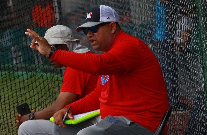 El herrerano Audes De León es el técnico de la U15. / Foto Anayansi Gamez