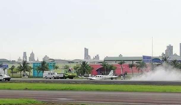 Vista general de la emergencia reportada con una avioneta en el aeropuerto de Albrook. Foto: @TraficoCPanama