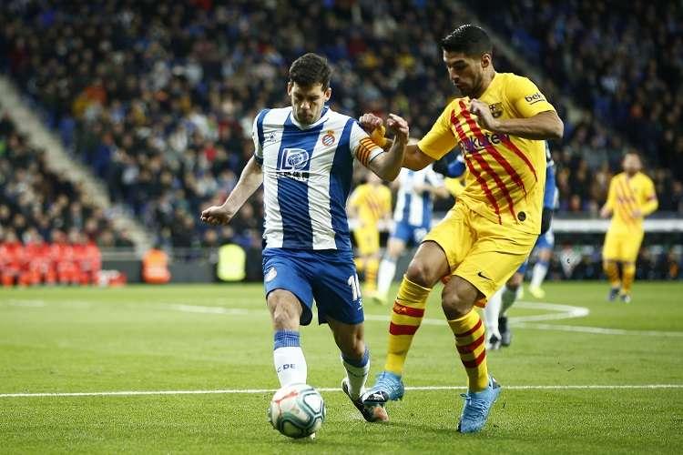 Luis Suárez (dcha.) anotó uno de los tantos del Barcelona. Foto: AP