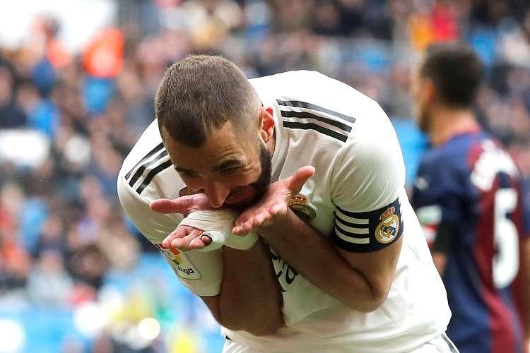 Benzema evitó la décima derrota del campeonato para los merengues. Foto: EFE