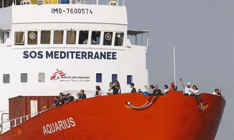 Imagen de archivo que muestra al buque humanitario de las ONG SOS Méditerranée. EFE