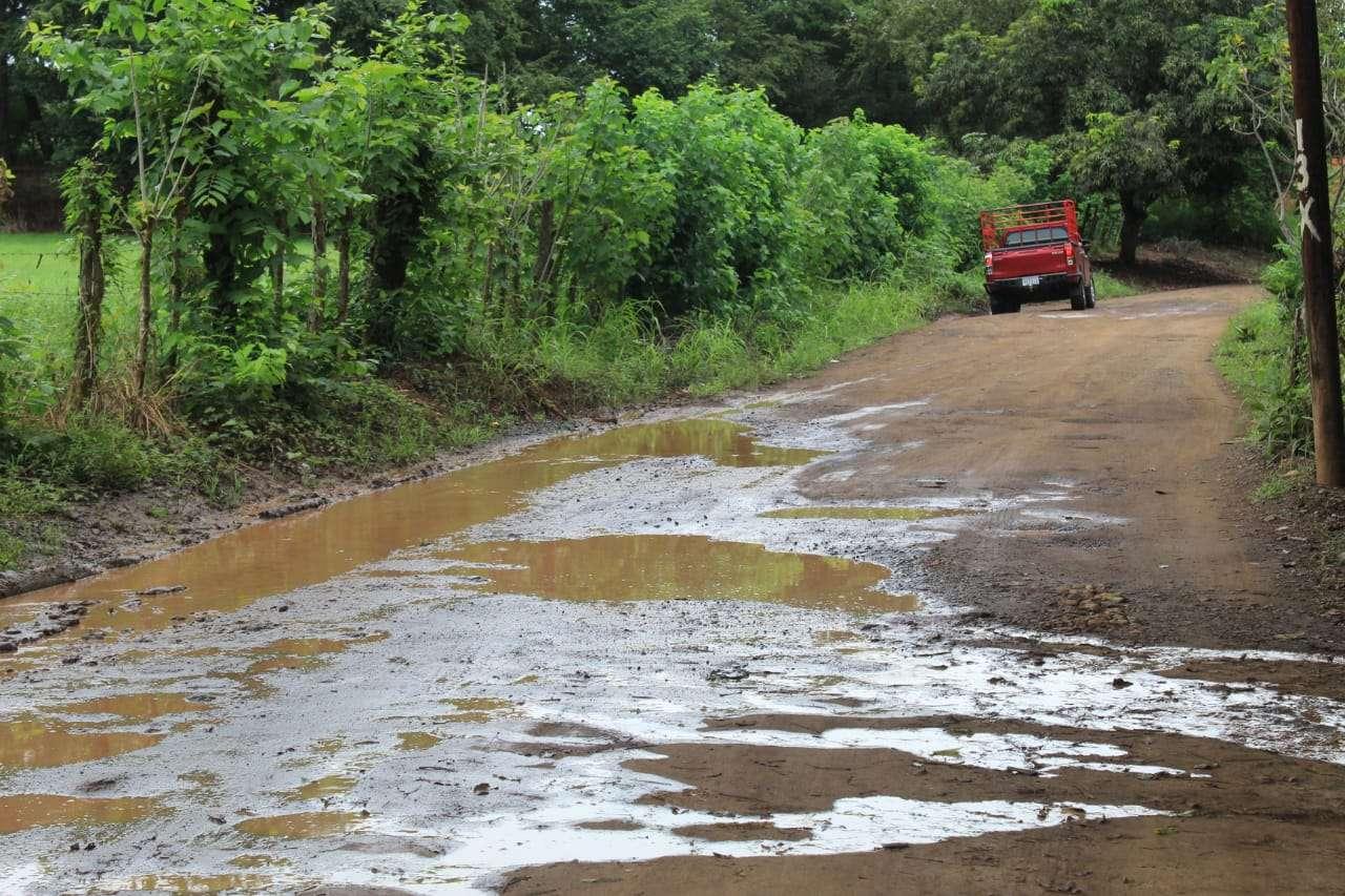 Vista general del mal estado de las calles en Guararé. Foto: Thays Domínguez