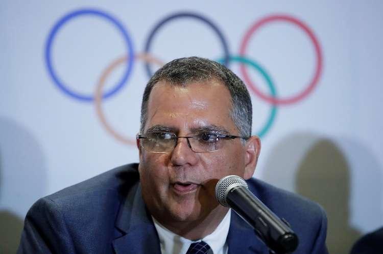 El presidente del Comité Olímpico de Panamá (COP), Camilo Amado, habla durante la primera asamblea general extraordinaria del 2019 del COP. Foto: EFE