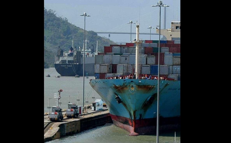 El puerto franco panameño realiza anualmente transacciones de importaciones y reexportaciones por unos 13.000 millones de dólares. EFE Archivo