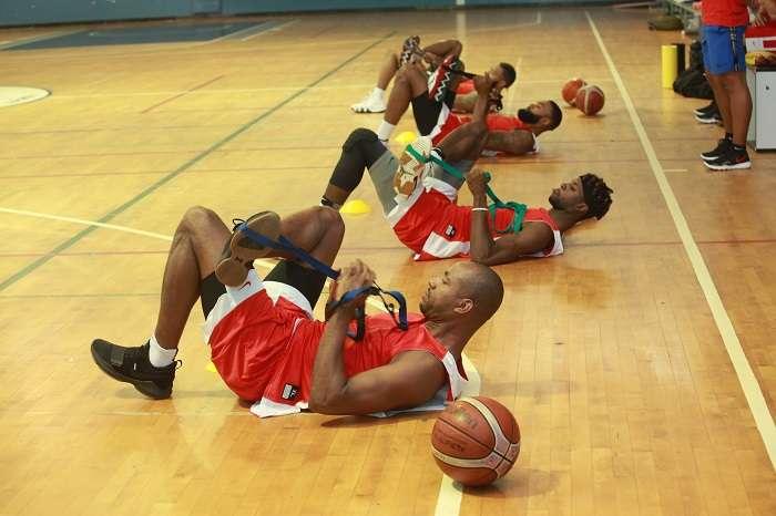Jugadores como el veterano Michael Hicks (primero en la imagen) integran la preselección nacional. /Anayansi Gamez