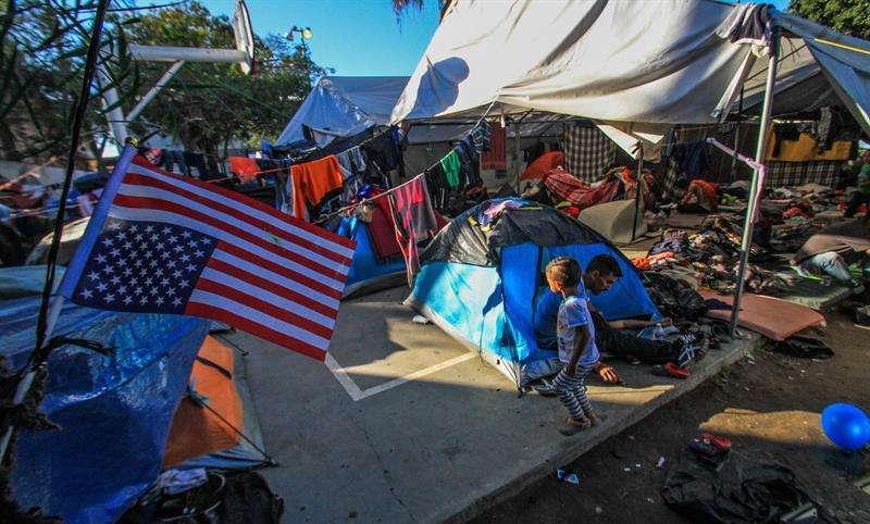 ntegrantes de la caravana migrante de centroamericanos permanecen en un albergue en la ciudad de Tijuana, en Baja California (México). EFE/Archivo