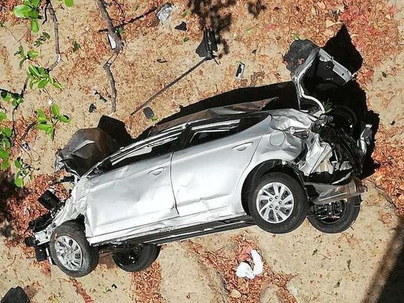 Vista general del lugar exacto en donde cayó el vehículo en San Carlos. Foto: @TraficoCPanama
