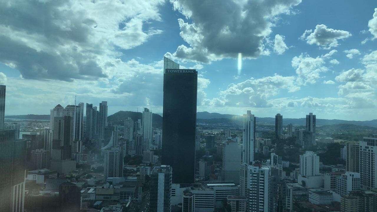 Vista general del centro bancario de la ciudad de Panamá desde Soho Mall. Foto: Néstor Vásques