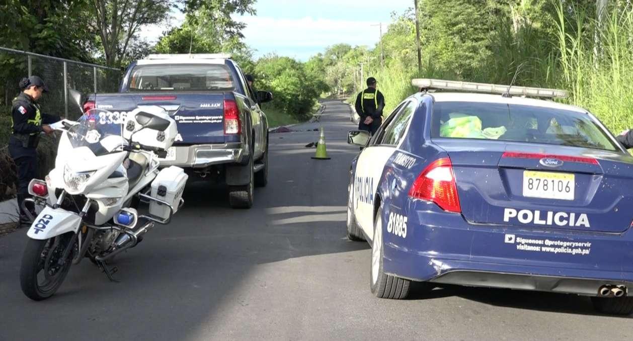 Autoridades realizan las diligencias pertinentes para ubicar al conductor involucrado en este hecho. Foto: Mayra Madrid