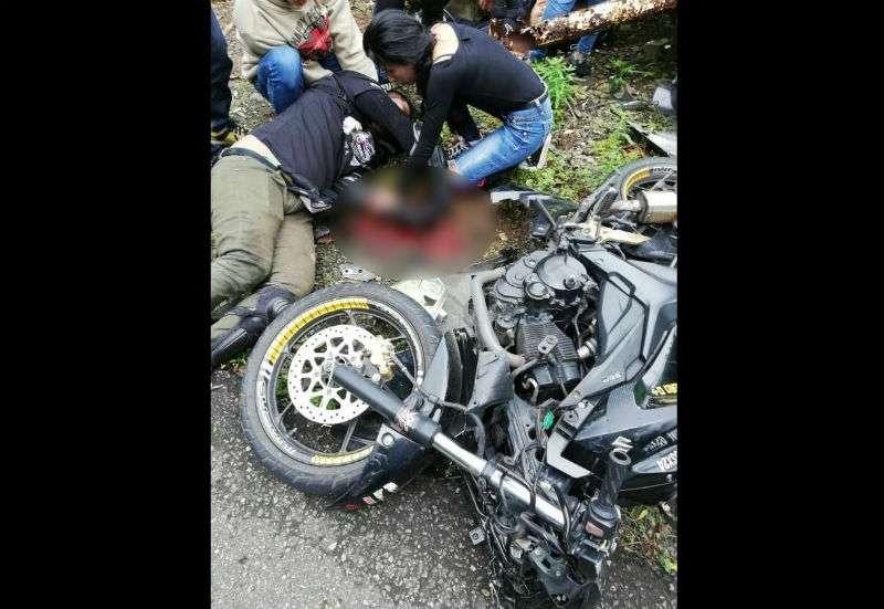 El conductor de la motocicleta sufrió graves lesiones. Foto: Diómedes Sánchez