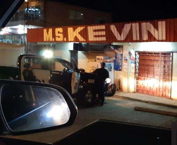 Unidades de la Policía Nacional atendieron el llamado tras el robo. Foto: Eric Montenegro