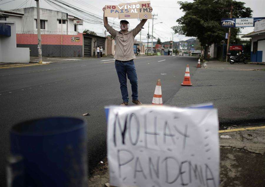 Las protestas comenzaron el pasado 30 de septiembre en rechazo a un posible acuerdo del Gobierno de Costa Rica con el FMI. Foto: EFE