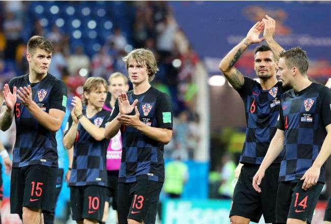 La selección de Croacia festeja su victoria sobre Islandia. Foto:EFE