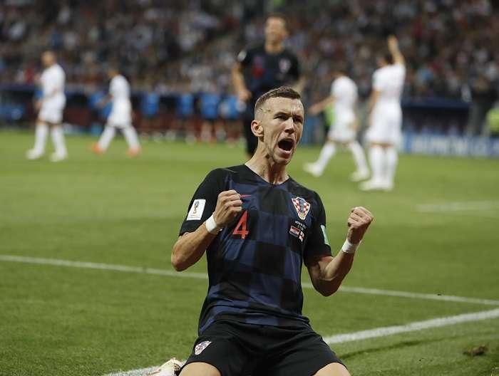 Ivan Perisic celebra su anotación frente a los ingleses. / AP