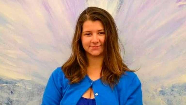Cynthia Hoffman tenía 19 años cuando su mejor amiga la eligió como su víctima: iba a asesinarla por orden de su amante virtual y para lograr cobrar 9 millones de dólares (Cortesía Timothy Hoffman)