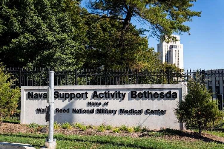 El presidente Donald Trump fue trasladado a este hospital militar