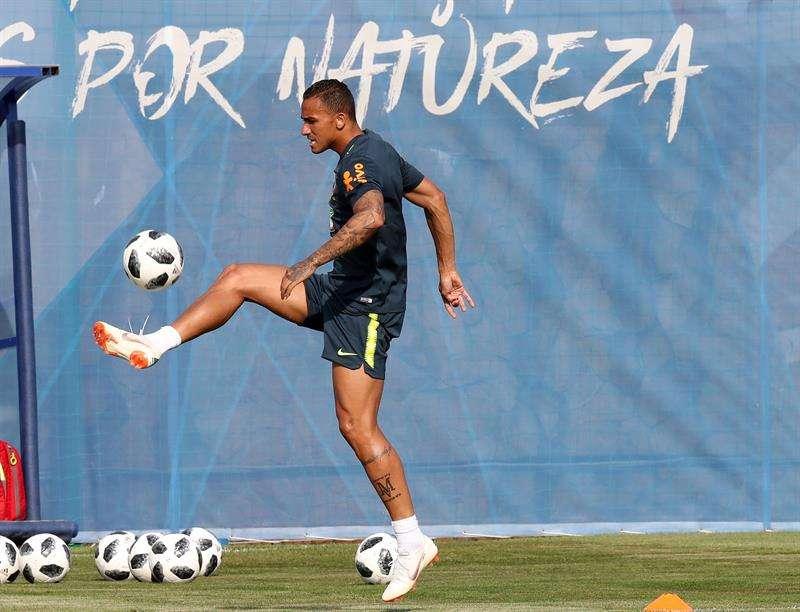 Danilo se entrenó junto a los reservas y a aquellos que jugaron menos minutos frente a los serbios. Foto EFE