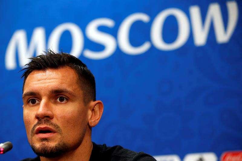 El jugador de Croacia, Dejan Lovren, habla durante una rueda de prensa. Foto EFE