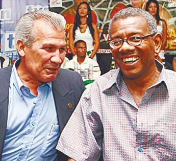 """Jaime """"Cieguito"""" Ríos (der.), reinó en la categoría de las 108 libras."""