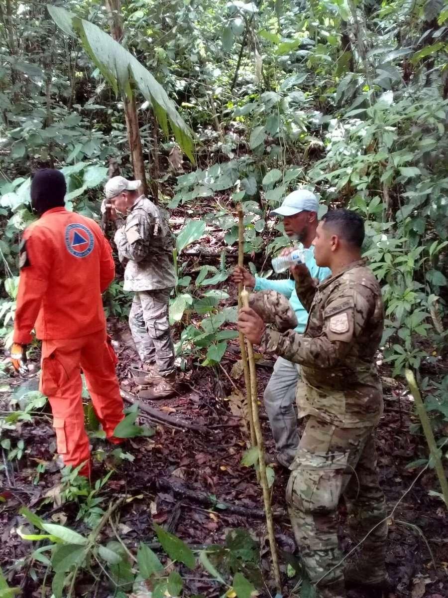 Personal del Servicio Nacional Aeronaval (Senan), en conjunto con otros miembros de la Fuerza de Tarea Conjunta colaboraron en la labor de búsqueda. Foto: @Sinaproc_Panama