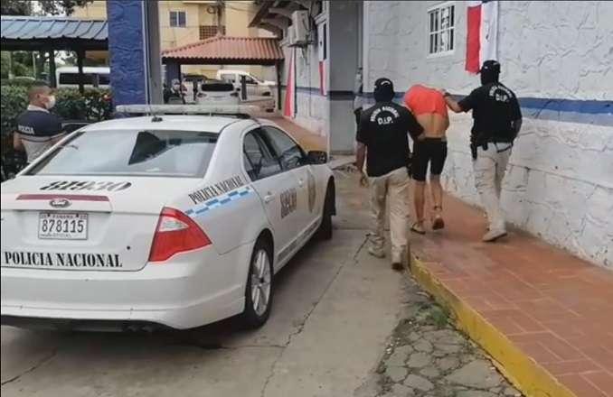 El imputado fue aprehendido mediante diligencias de allanamiento realizadas el pasado viernes en Las Tablas.