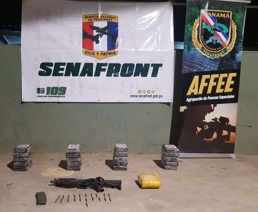 Supuesta sustancia ilícita decomisada. Foto: Senafront