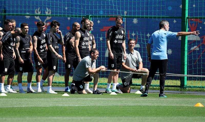 El conjunto Charrúa se entrena para dentro de tres días enfrentar a Francia en los cuartos de final del Mundial de Rusia. Foto EFE