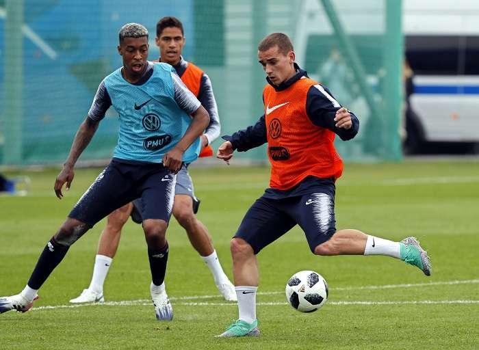 Griezmann durante el entrenamiento de la selección Francesa./EFE