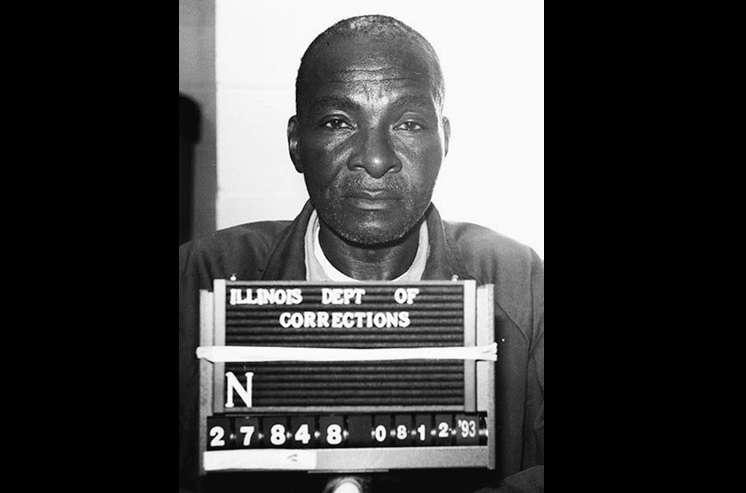 El Proyecto de Inocencia de Illinois en la Universidad de Illinois en Springfield dice que Grover Thompson recibió la primera exoneración póstuma en la historia de Illinois. AP