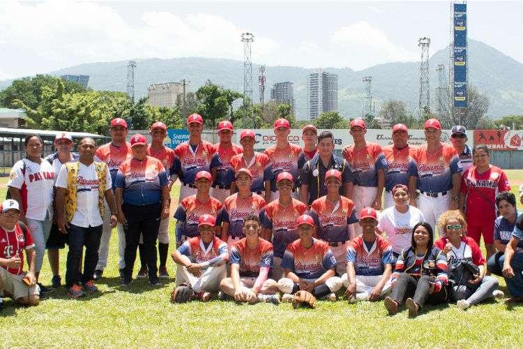 El equipo de las Pequeñas Ligas de Chitré, Herrera representará a Latinoamérica en la Serie Mundial de la categoría intermedia de béisbol. Foto: Cortesía