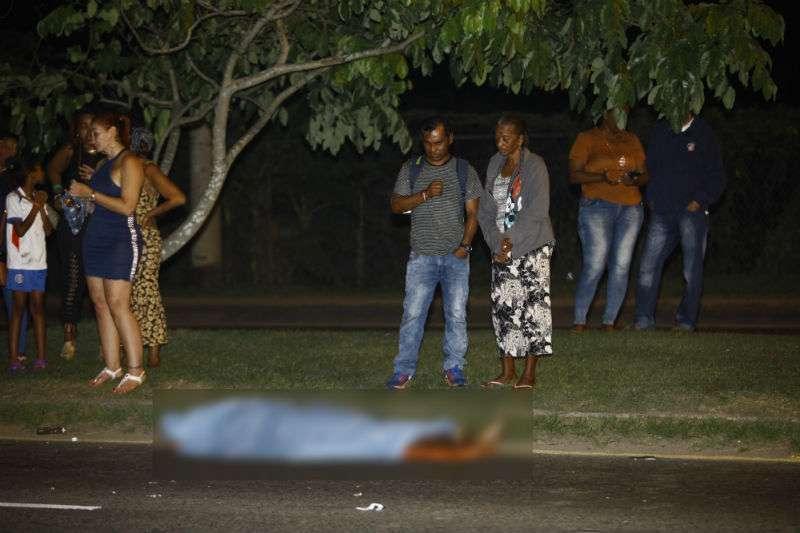Residentes del sector estaban consternados por lo ocurrido. Foto: Alexander Santamaría