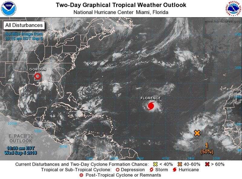 Imagen Centro Nacional de Huracanes, muestra el emplazamiento del huracán Florence por el Atlántico y la depresión tropical Gordon en la zona central de Misisipi (EE.UU.). EFE