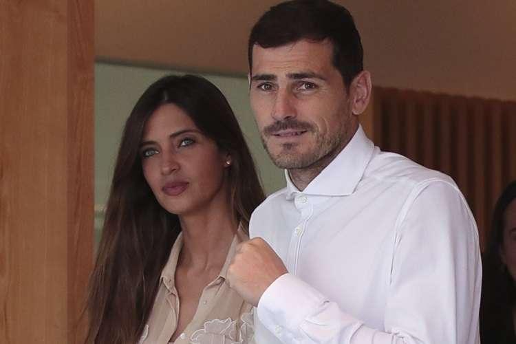 Iker Casillas junto a su esposa Sara Carbonero. Foto: AP