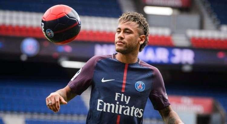 Rumores apuntan que el delantero quiere dejar el club francés. Foto: EFE