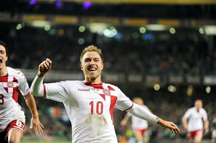 El danés Chrsitian Eriksen celebra luego de anotar un gol . Foto. EFE
