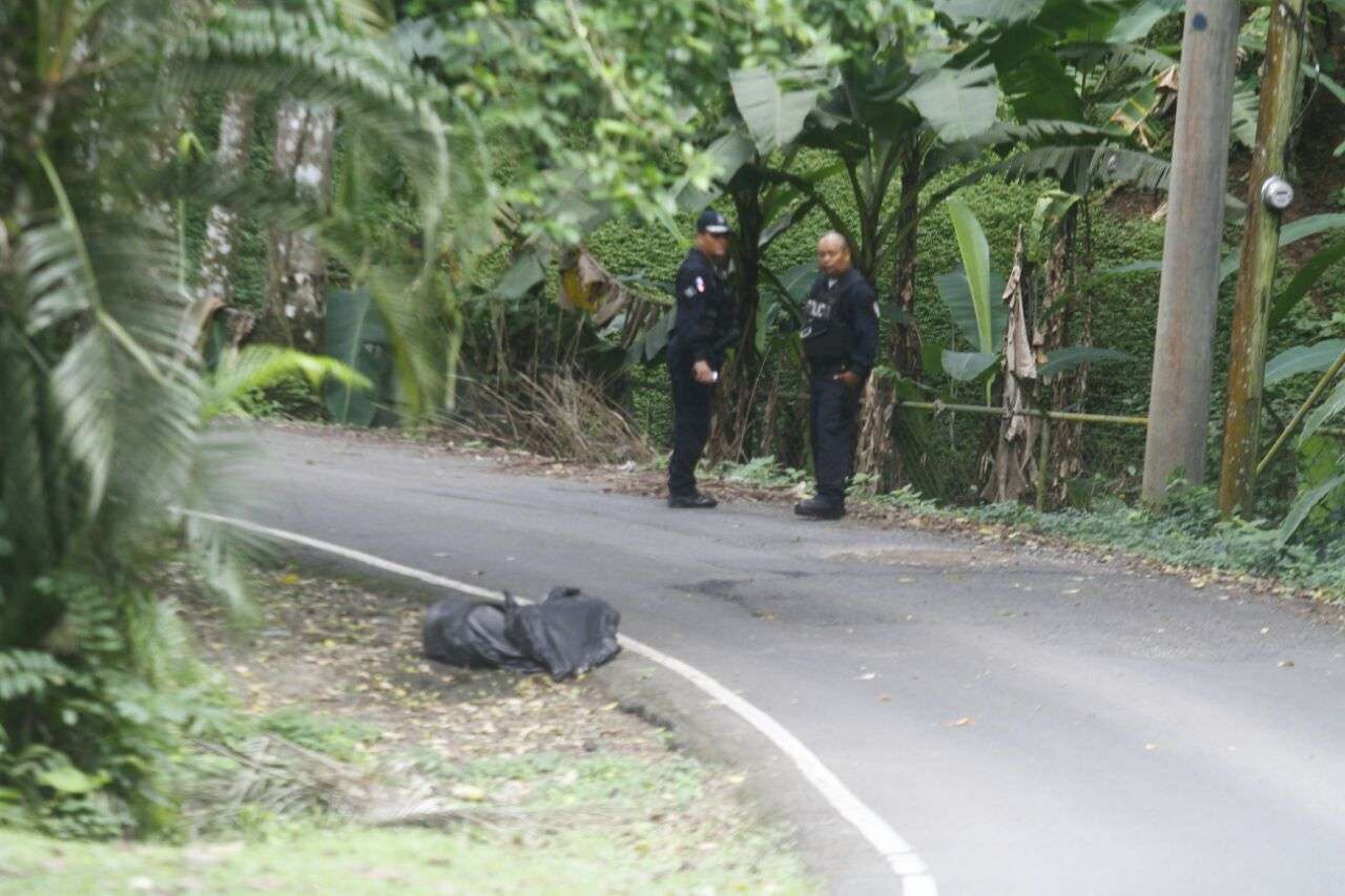 Se presume que los cuerpos fueron tirados en la calle en la madrugada. Foto: Edwards Santos