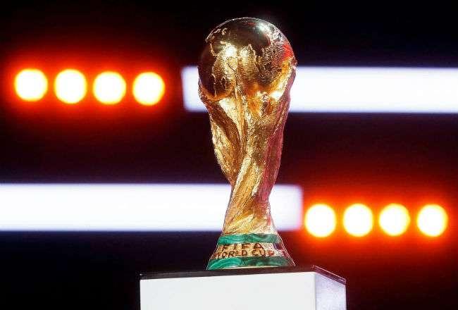 La copa hizo un parón en su gira mundial para ser exhibida en el centro de prensa habilitado en el corazón del recinto amurallado del Kremlin. EFE