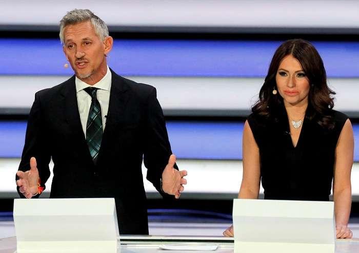 Los presentadores Gary Lineker y Maria Komandnaya dirigen el sorteo. Foto: EFE