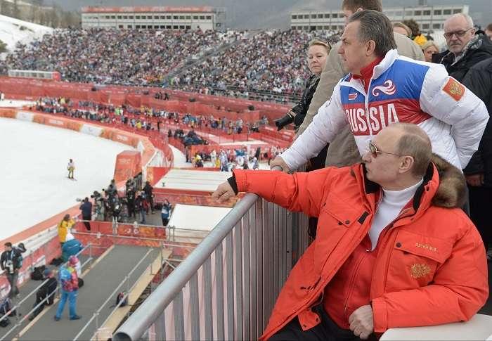 El presidente de Rusia, Vladimir Putin (naranja), es un amante del deporte./ EFE