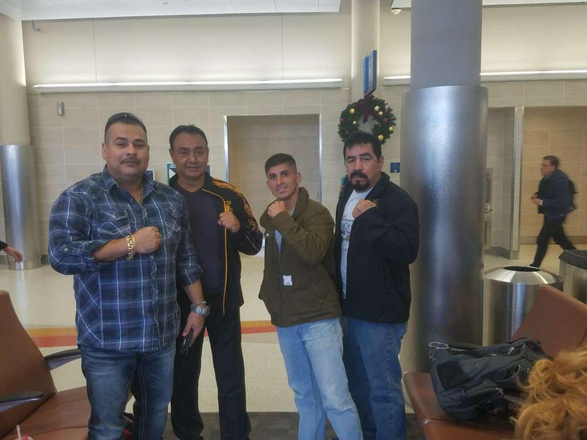 Sergio Perales junto a su equipo de trabajo. Foto: Cortesía