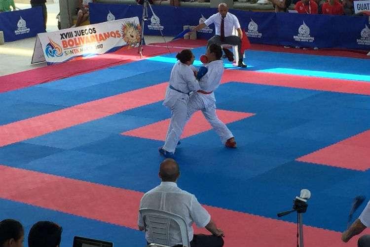 La panameña Yaremi Borzelli (rojo) en acción durante los Juegos Centroamericanos.