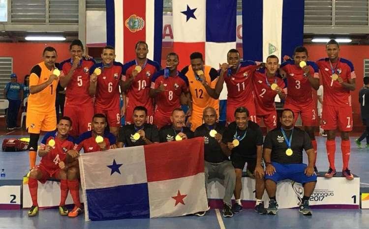 Equipo recibe la medalla de oro en los Juegos Centroamericanos. Foto: COP