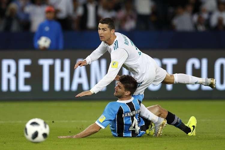 Cristiano viene de conquistar su quinto Balón de Oro. Foto: AP