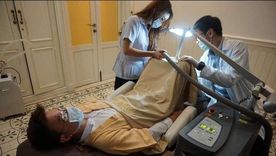 Revuelo por este tratamiento. / Fotos de la página oficial de Hospital Lelux.