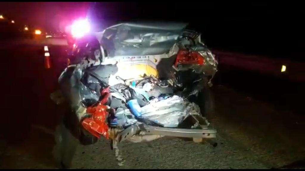 El carro que fue impactado por detrás terminó con el maletero destrozado. Foto: @alfredomitre