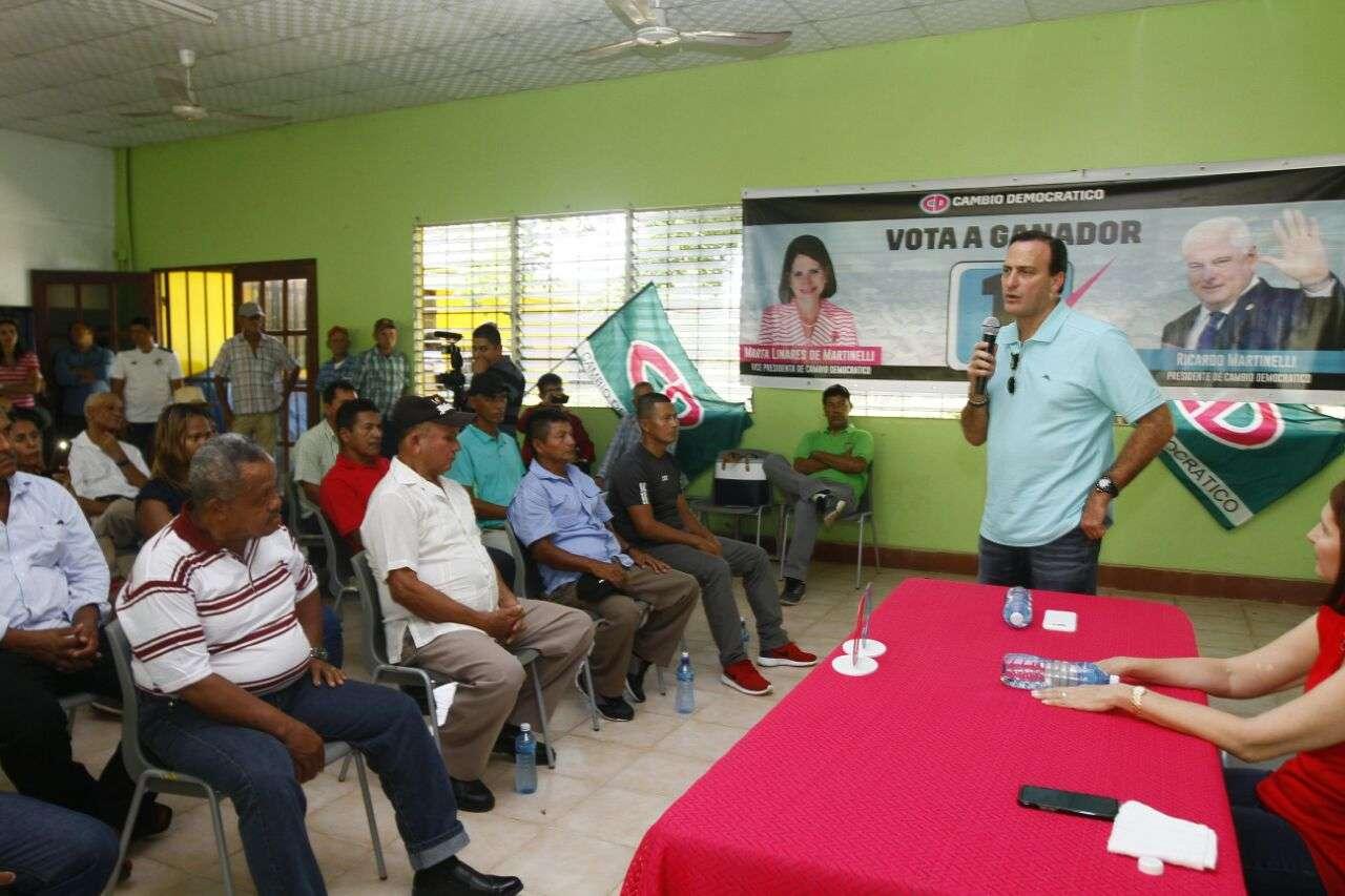 Reunión con convencionales en Metetí, Darién. Foto: Edwards Santos