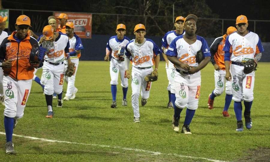 Jugadores de los Potros de Panamá Este./ Foto Fedebeis