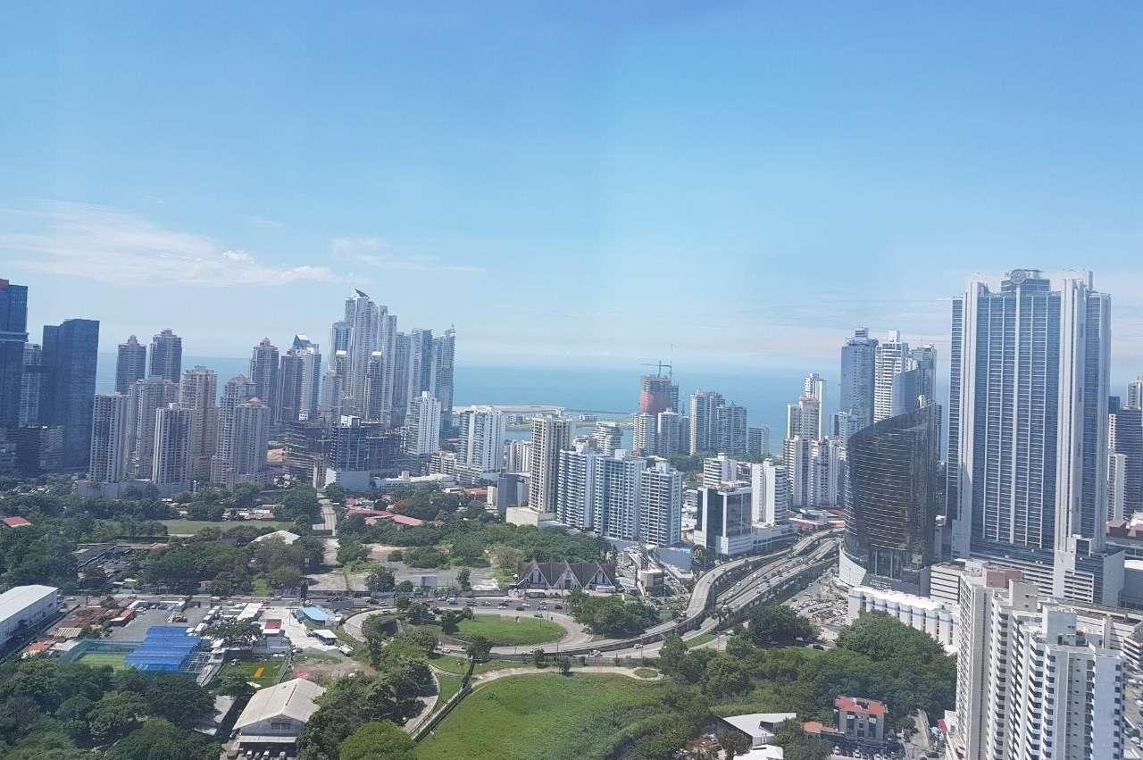 Vista general del área bancaria de Panamá desde Soho Mall.  Foto: Néstor Vásquez